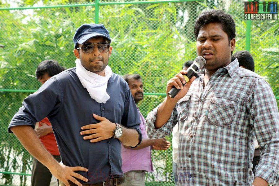 Director Anand Shankar in Arima Nambi Movie Working Stills