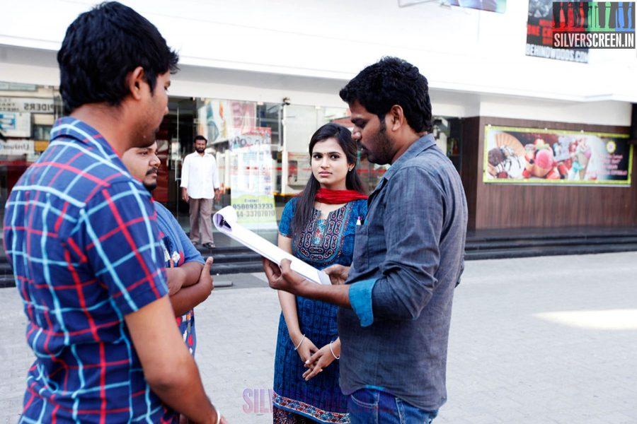 Dummy Tappasu Working Stills with Praveen Prem and Ramya Pandian