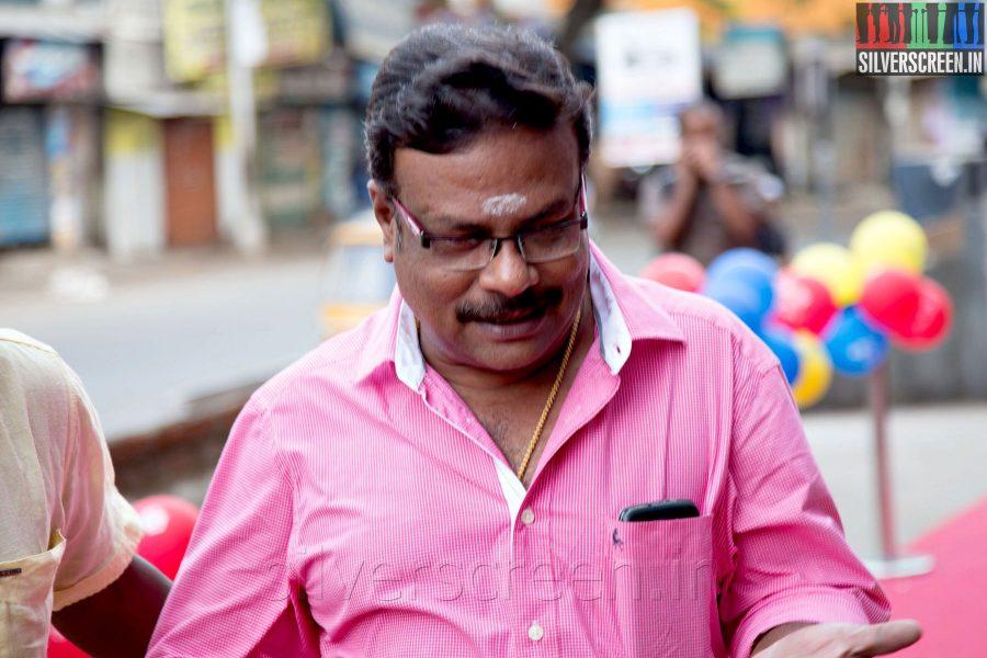 Actor Ilavarasu at the Sathuranga Vettai Audio Launch