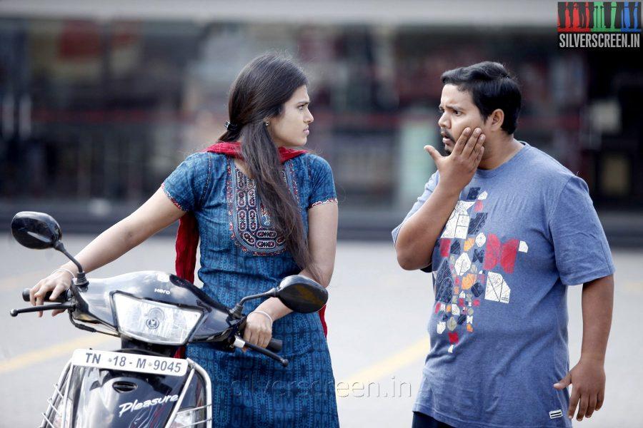 Actor Praveen Prem and Ramya Pandian in Dummy Tappasu Movies Stills