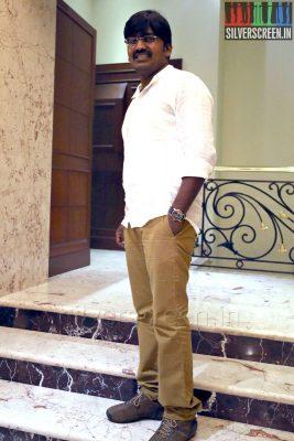 Actor Karunakaran at the Yaamirukka Bayamey Success Meet