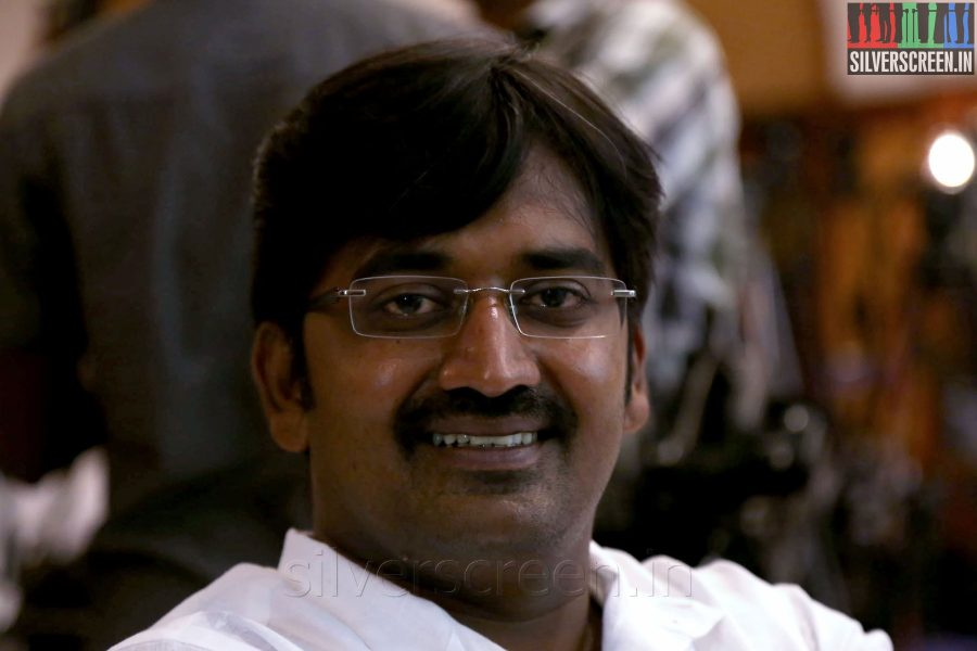Actor Karunakaran at the Yaamirukka Bayamey Success Meet