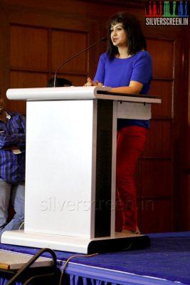 Actress Sona Heiden at the Yaamirukka Bayamey Success Meet