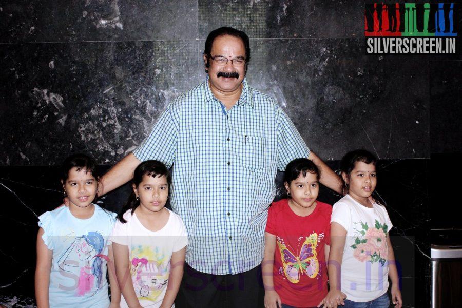 enna-satham-indha-neram-special-show-maanu-charity014