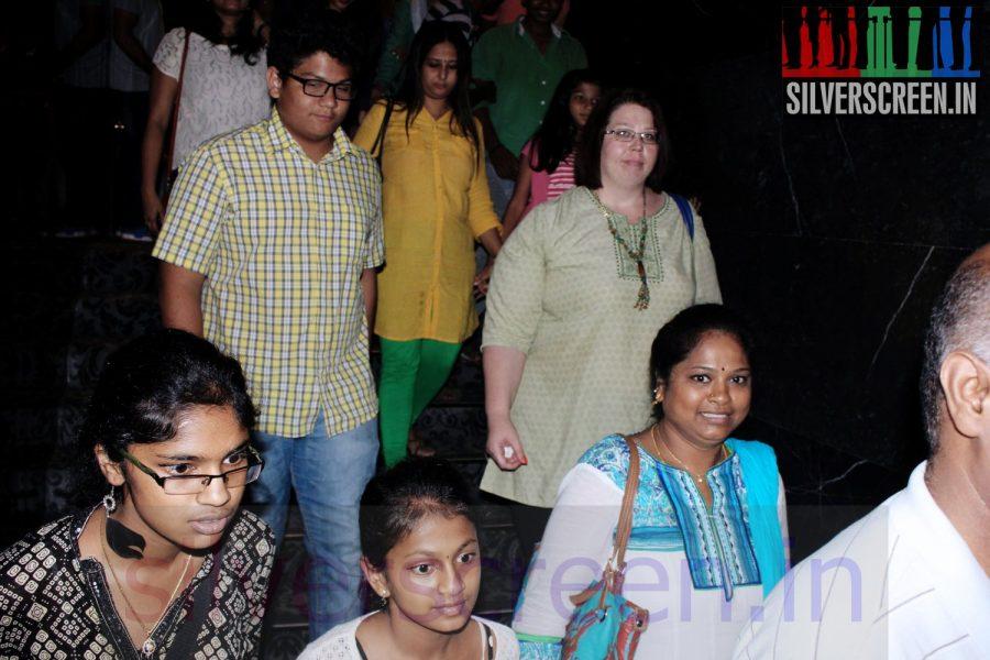 enna-satham-indha-neram-special-show-maanu-charity022