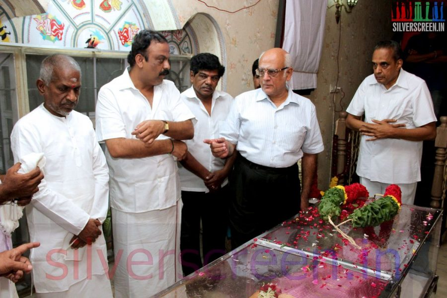 Music Director Ilaiyaraaja and Producer AVM Saravanan at Director Ramanarayanan's Funeral