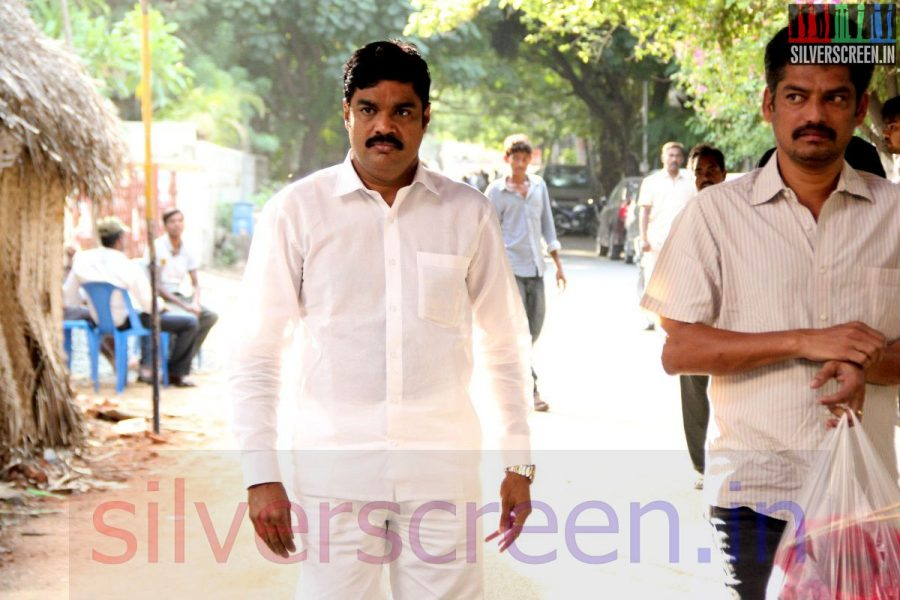 Actor RK at Director Ramanarayanan's Funeral