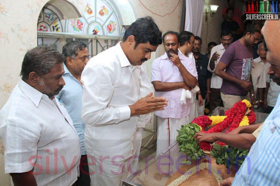 Actor RK at Director Ramanarayanan's Funeral