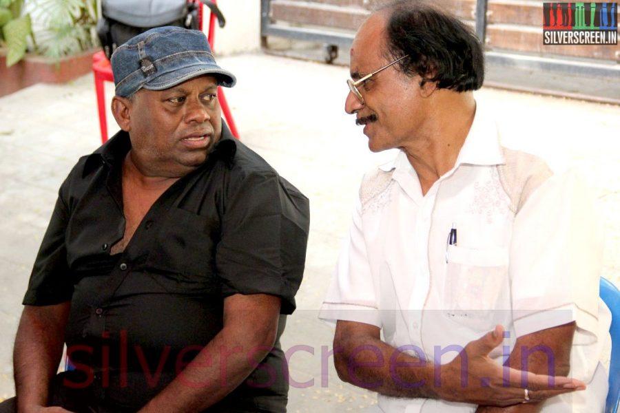 Actor Senthil at Director Ramanarayanan's Funeral