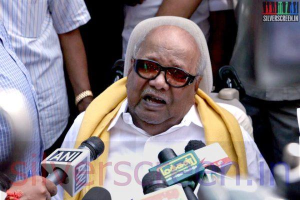 M Karunanidhi at Director Ramanarayan Funeral