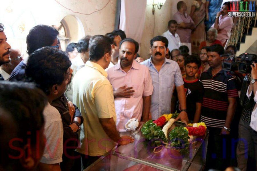 Actor Kamal Haasan at Director Ramanarayanan's Funeral