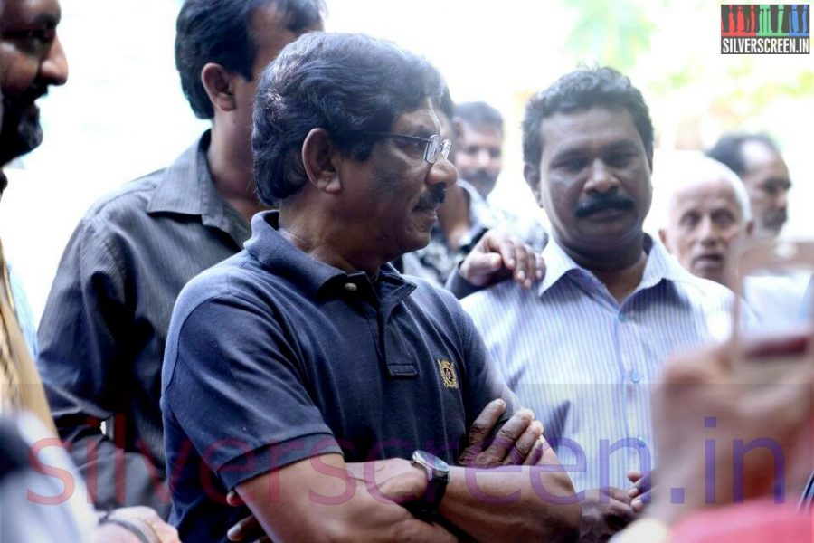 Director Bharathiraja at Director Ramanarayanan's Funeral