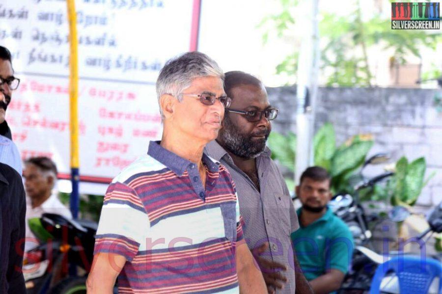 Director SA Chandrasekhar at Director Ramanarayanan's Funeral