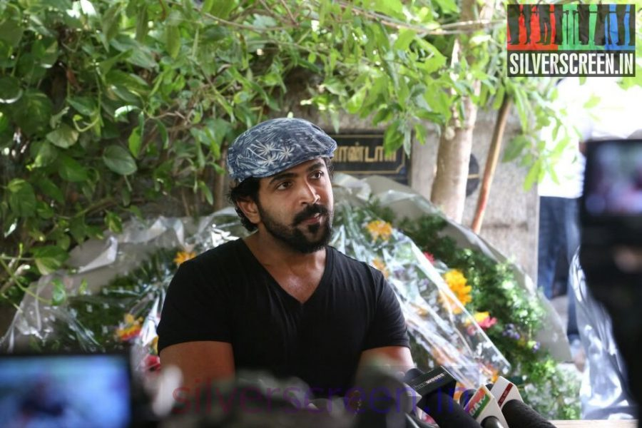 Actor Arun Vijay at Director Ramanarayanan's Funeral