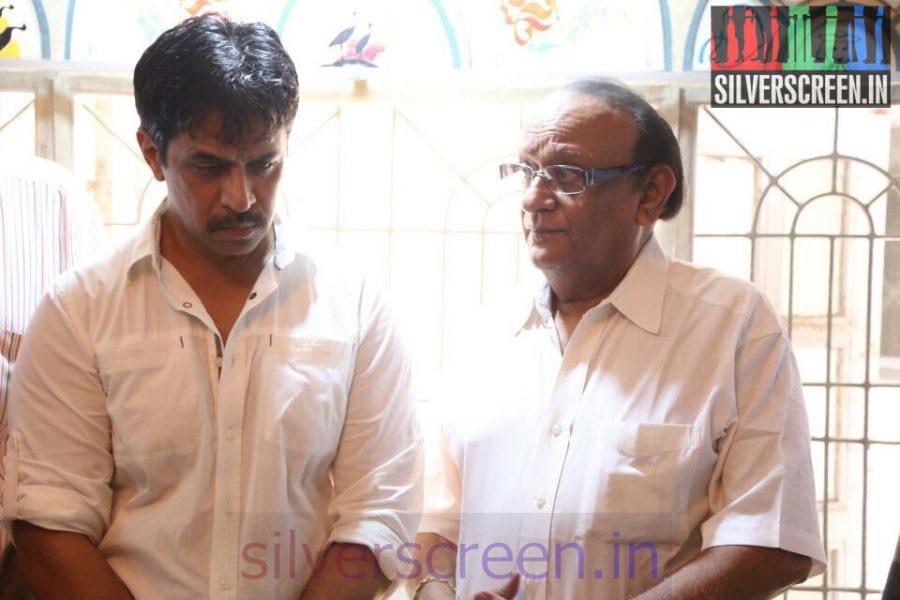 Actor Arjun, Venniradai Moorthy at Director Ramanarayanan's Funeral