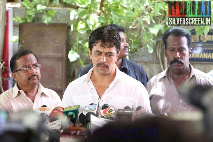 Actor Arjun at Director Ramanarayanan's Funeral