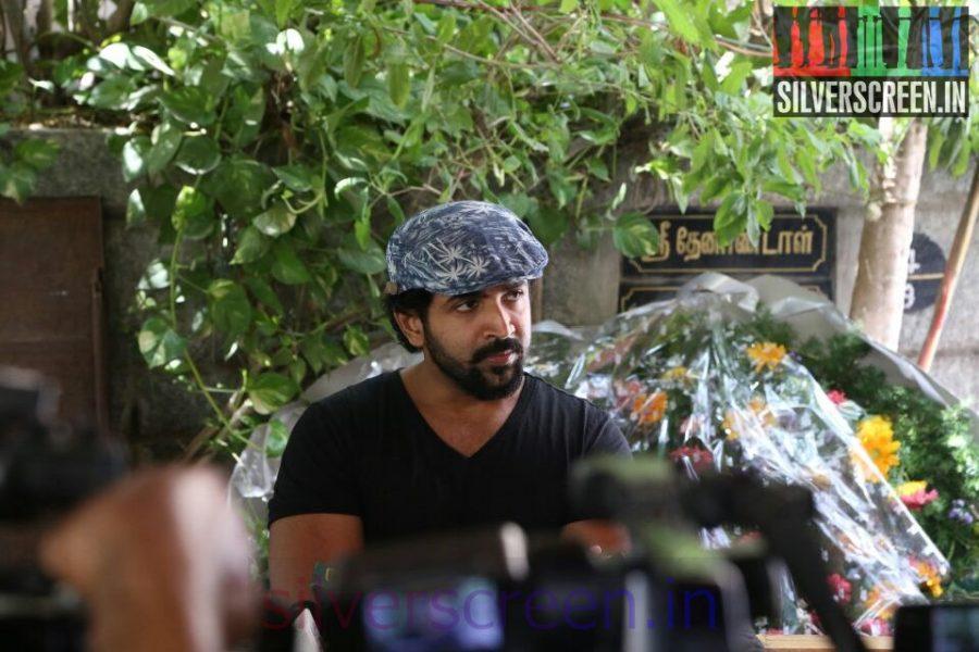 Actor Arun Vijay at Director Ramanarayanan's Funeral