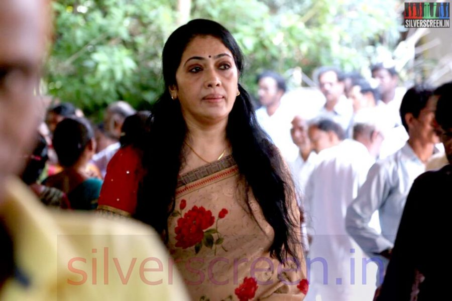 Actress Rekha at Director Ramanarayanan's Funeral