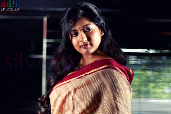 Gayathri Raguram Exclusive HQ Photoshoot Stills for Silverscreen.in (Photographer: Joshi Daniel, Post Processing: Silverscreen Photography Team)