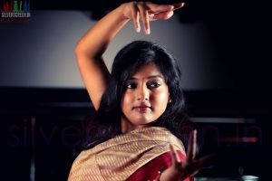 actress-gayathri-raguram-exclusive-silverscreen-photoshoot-008