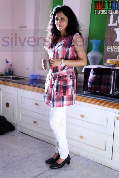 Actress Shivada Nair at Zero Movie Shooting Spot (Or On Location) HQ Stills