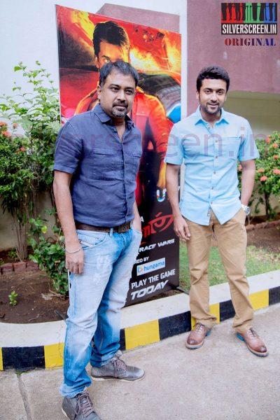 Actor Suriya and Director N Lingusamy at Anjaan Race Wars Game Launch Stills