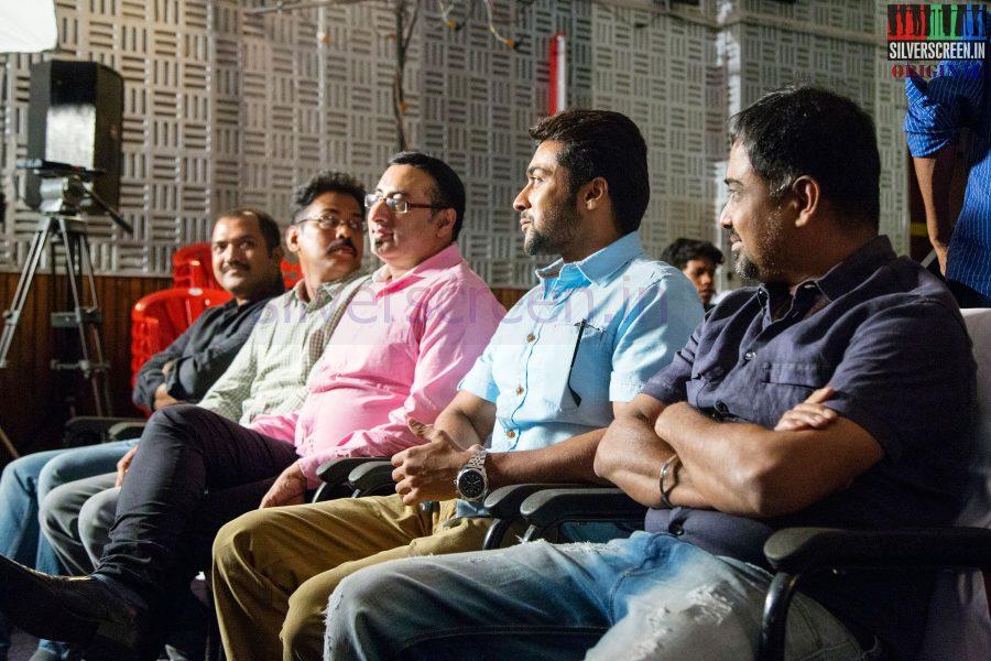 Actor Suriya, Director N Lingusamy and Screenplay Writer Brinda Sarathy at Anjaan Race Wars Game Launch Stills