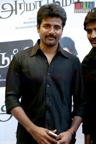 Actor Sivakarthikeyan at the Arima Nambi Movie Premiere
