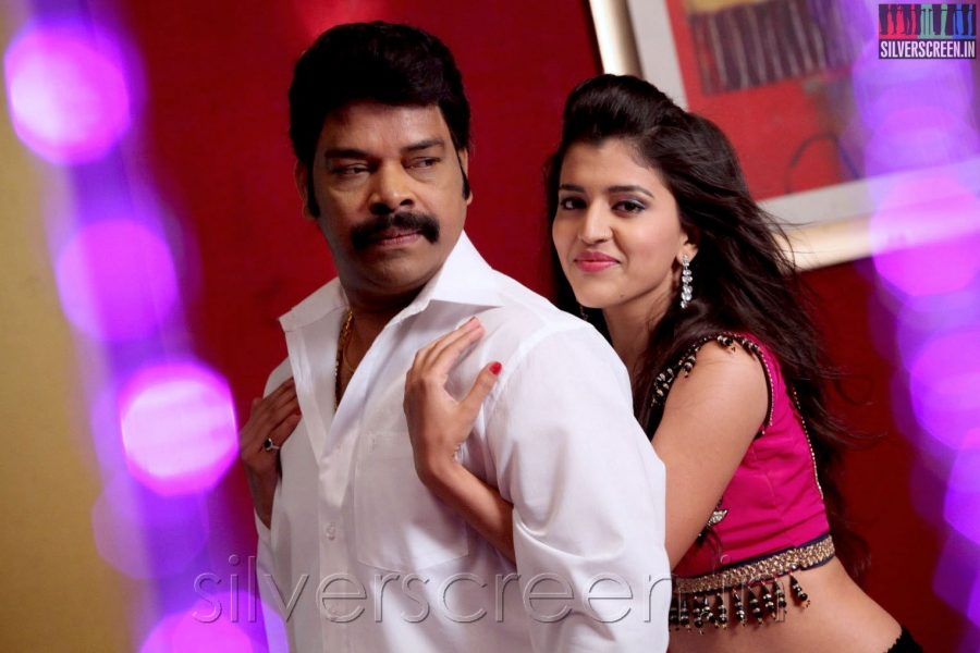 Actor Ravi Mariya in Enna Pidichirukka Movie Stills