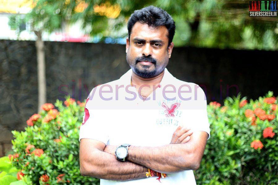 Director R Nagendran at Nee Yellam Nalla Varuvada Press Meet