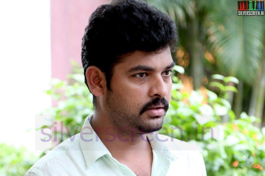 Actor Vimal (Or Vemal) at Nee Yellam Nalla Varuvada Press Meet