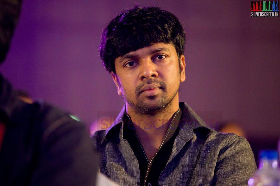 Lyricist Madhan Karky at the Puthiyathalaimurai (Puthiya Thalaimurai) Tamizhan Awards 2014