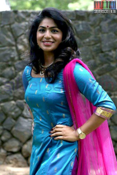 Actress Sudhakshina at Thirunthuda kadhal Thiruda Audio Launch Function