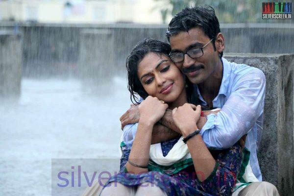 Dhanush & Amala Paul in the movie VIP