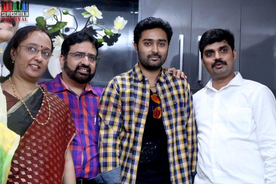 actor-prasanna-amitash-launch-of-classic-kitchen-stills-030