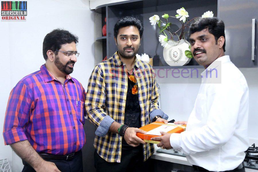 actor-prasanna-amitash-launch-of-classic-kitchen-stills-033