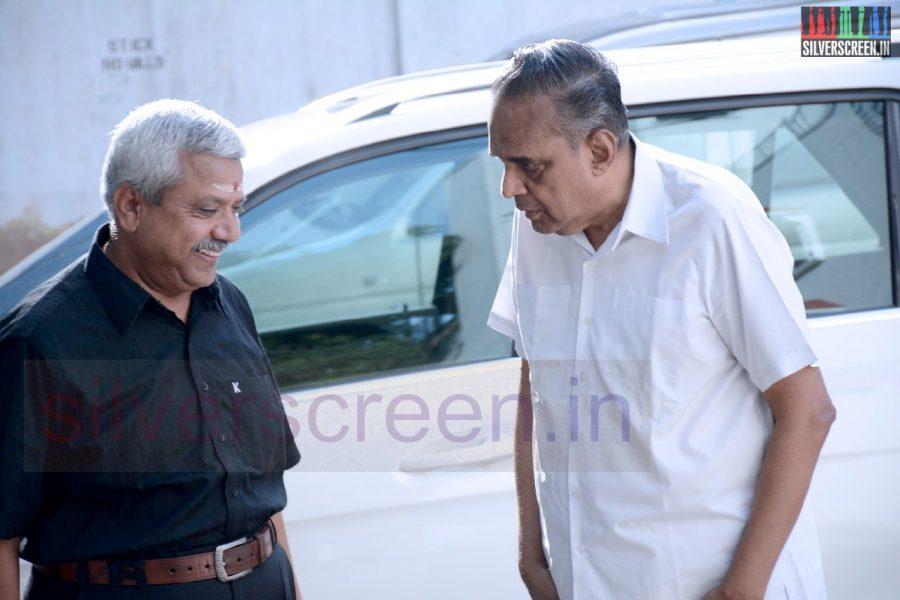 celebrities-k-balachander-son-bala-kailasam-funeral-stills-004