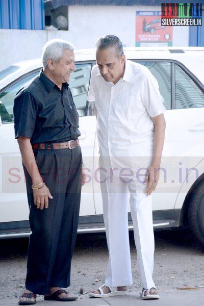 celebrities-k-balachander-son-bala-kailasam-funeral-stills-005