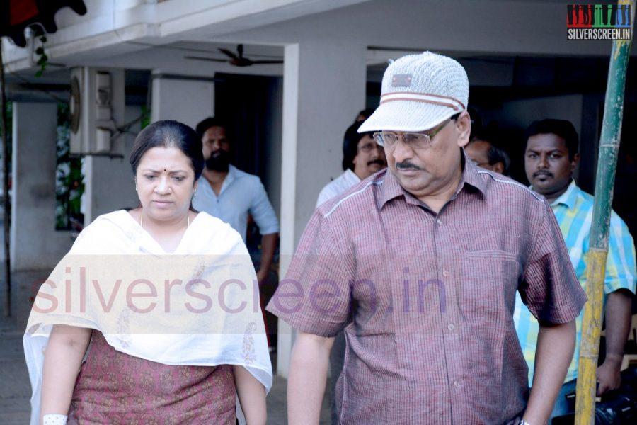 celebrities-k-balachander-son-bala-kailasam-funeral-stills-008