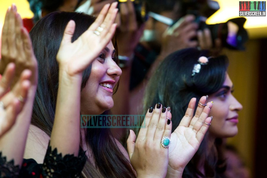 cosmo-glitz-awards-2014-hq-photos-124