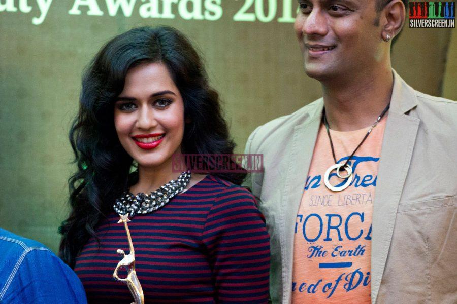 cosmo-glitz-awards-2014-hq-photos-141