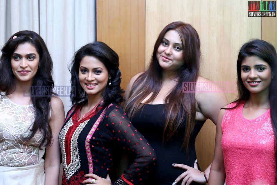 cosmo-glitz-awards-2014-hq-photos-145