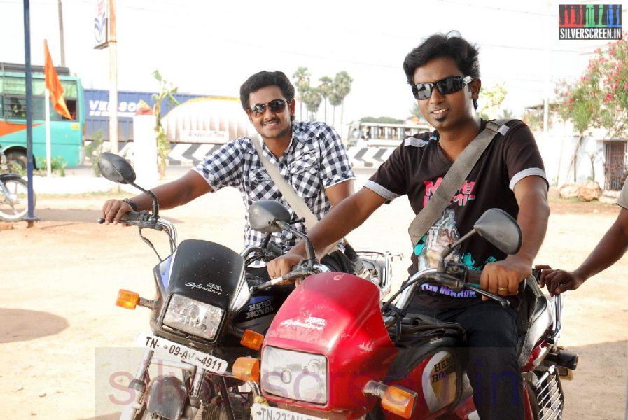 Actor Mahesh and Jegan in Iravum Pagalum Varum Movie Stills