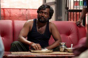 jigarthanda-movie-stills-siddharth-lakshmi-menon-008