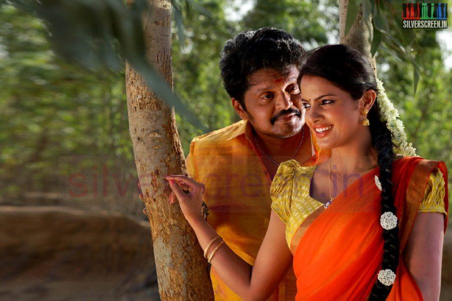 kanniyum-kaalaiyum-sema-kadhal-movie-stills-020