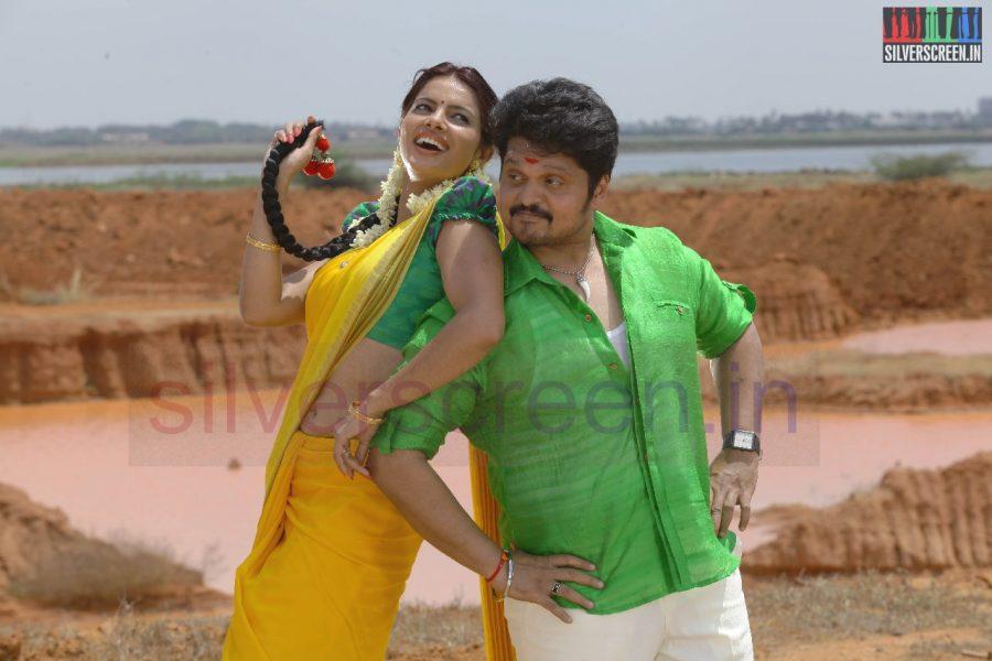kanniyum-kaalaiyum-sema-kadhal-movie-stills-022