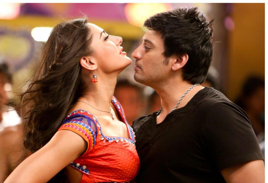 Actor Prashanth and Actress Nargis Fakhri in Saahasam Movie Shooting Spot Stills