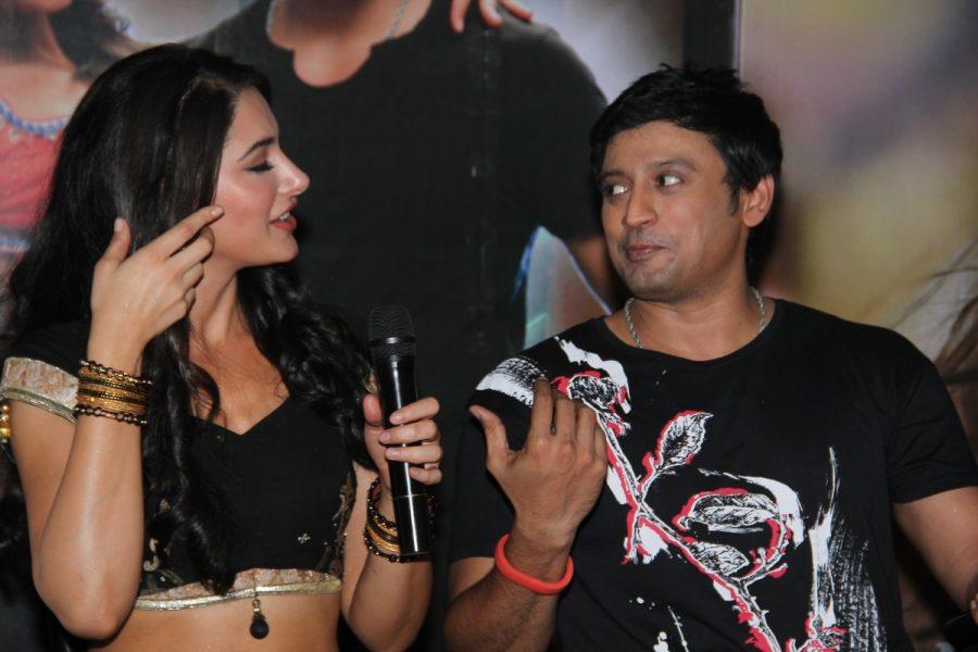 saahasam-actor-prashanth-actress-nargis-fakhri-movie-shooting-spot-stills-020