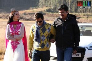 Director Shankar, Actor Vikram and Actress Amy Jackson in Ai Movie Stills