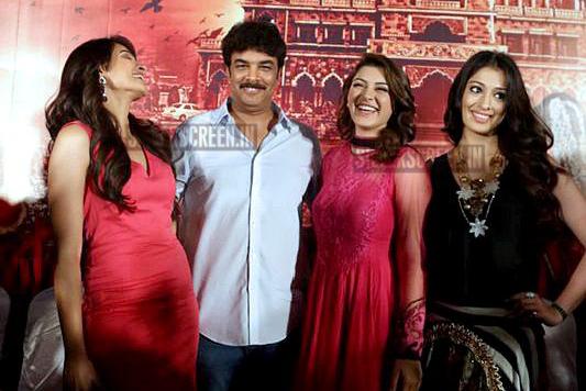 Stars at Aranmanai movie press meet